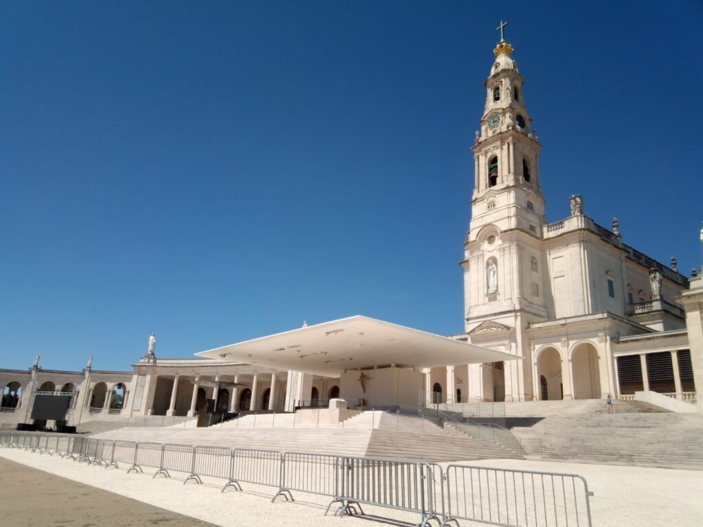A trip to Fatima - Dens Journey